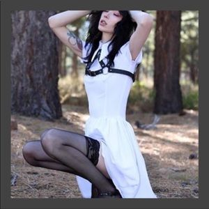 Deandri pure white Minnie dress